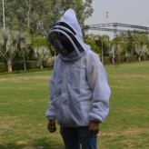 bee-jacket-with-hood